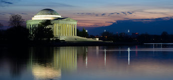 Washington DC - Jefferson Memorial bij zonsondergang Royalty-vrije Stock Afbeeldingen