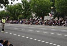 Washington DC, 4 Juli 2017: Mensen die op de 4 Juli-Parade van Washington District van Colombia de V.S. wachten royalty-vrije stock afbeelding