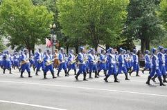 Washington DC, 4 Juli 2017: Schoolteam bij de Parade voor 4 Juli van Washington District van Colombia de V.S.