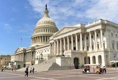 Washington DC - Juni 01, 2018: Folk nära Förenta staterna Ca Royaltyfri Foto