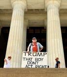Washington DC - Juni 01,2018: Gale McCray en årig reträttsignal 75 royaltyfria foton