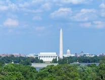Washington DC - Lincoln Memorial, Washington Monument och USA-Kapitoliumbyggnad på natten Royaltyfri Bild