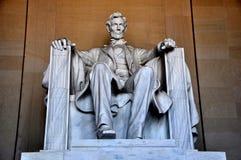 Washington DC: Linolnc staty på Lincoln Memorial Arkivfoton