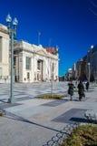 WASHINGTON DC, LOS E.E.U.U. - 27 DE ENERO DE 2006: Dos mujeres que caminan en Foto de archivo libre de regalías