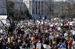 WASHINGTON, DC, LOS E.E.U.U. - 24 DE MARZO DE 2018: Marzo para nuestros protes de las vidas Fotos de archivo libres de regalías