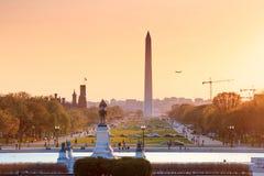 Washington DC miasta widok przy pomarańczowym zmierzchem wliczając Waszyngton, Zdjęcia Stock