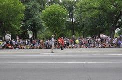 Washington DC, o 4 de julho de 2017: Os americanos no 4 de julho desfilam do Washington DC nos EUA Imagens de Stock Royalty Free