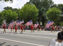Washington DC, o 4 de julho de 2017: Os americanos no 4 de julho desfilam do Washington DC nos EUA Foto de Stock