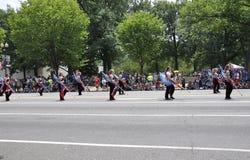 Washington DC, o 4 de julho de 2017: Os americanos no 4 de julho desfilam do Washington DC nos EUA Imagens de Stock