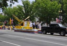 Washington DC, o 4 de julho de 2017: Os americanos no 4 de julho desfilam do Washington DC nos EUA Foto de Stock Royalty Free