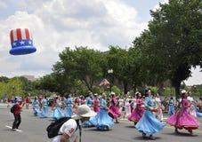 Washington DC, o 4 de julho de 2017: Os americanos no 4 de julho desfilam do Washington DC nos EUA Fotos de Stock