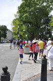 Washington DC, o 4 de julho de 2017: Os povos que vão ao 4 de julho desfilam de Washington District de Colômbia EUA Imagens de Stock Royalty Free