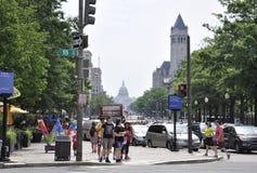 Washington DC, o 4 de julho de 2017: Opinião Washington District do centro da rua de Colômbia EUA Imagens de Stock
