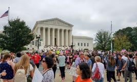 WASHINGTON, DC - 6 OTTOBRE 2018: La Corte suprema protesta ancora fotografia stock libera da diritti