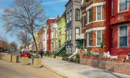 Washington DC-Regenbogen-Reihen-Häuser Lizenzfreie Stockfotografie