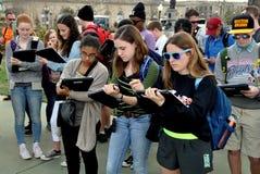 Washington, DC: Studenti alla plaza del Campidoglio Immagini Stock
