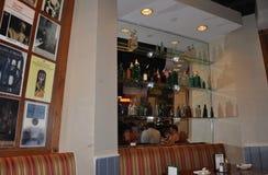 Washington DC 4th Juli: Irländsk bar- och gallerinre från Washington District av Columbia USA Royaltyfria Bilder