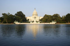 Washington DC U.S.A. della costruzione del Campidoglio con lo stagno Fotografia Stock