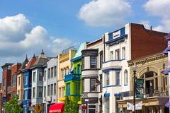 "WASHINGTON DC, USA-†""am 9. Mai 2015: Reihenhäuser in Nachbarschaft Adams Morgan am 9. Mai 2015 im Washington DC Lizenzfreie Stockbilder"
