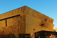 WASHINGTON DC, usa †'LISTOPAD 5: Smithsonian muzeum narodowe amerykanin afrykańskiego pochodzenia kultura przy zmierzchem na Li Zdjęcie Royalty Free