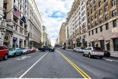 Washington DC, USA Gatasikt och byggnad av den Washington staden Arkivbild