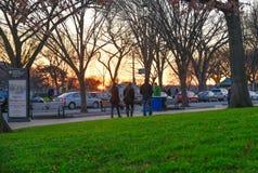 Washington DC, USA Gatasikt och byggnad av den Washington staden Royaltyfri Fotografi