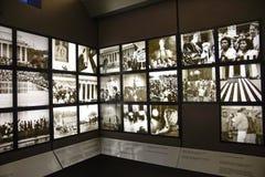 Washington DC, USA Tillträdeskorridor till Abraham Lincoln med två rum som utrustas med skärmar Arkivfoto