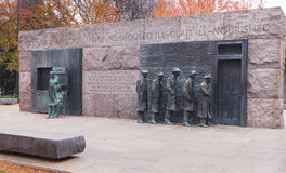 Washington DCfördjupningslinje staty i höst Royaltyfri Fotografi
