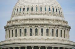 Washington, gelijkstroom, de V.S. 08 18 2018 De buitenkant van de het Capitoolkoepel van de V.S. in detail Sluit omhoog dag stock fotografie