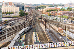 Washington, gelijkstroom - Treinen en luchtkabels bij Unie Post royalty-vrije stock afbeelding