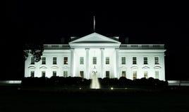 Washington, gelijkstroom - Voorzijde van het Witte Huis bij nacht Stock Fotografie
