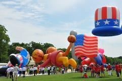 Washington, Gleichstrom C - 4. JULI 2017: riesige Ballone werden für Teilnahme an der Unabhängigkeitstag-Parade des Staatsangehör Lizenzfreie Stockfotos