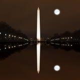 Washington Memorial na noite Imagens de Stock
