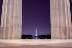 Washington Monument, dat van Lincoln Memorial wordt gezien royalty-vrije stock fotografie