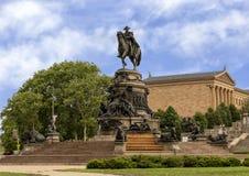 Washington Monument door Rudolf Siemering, Benjamin Franklin Parkway bij Eakins-Ovaal, Philadelphia, Pennsylvania stock afbeeldingen