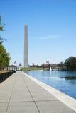 Washington Monument durante o dia com perspectiva da passagem Imagem de Stock