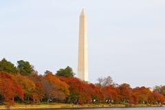 Washington Monument en automne Photographie stock libre de droits