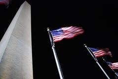 Washington monument około flagę Fotografia Royalty Free