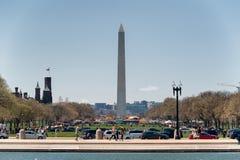 Washington Monument på den nationella gallerian i Washington DC Arkivfoto