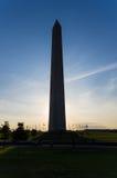 Washington Monument silhouetted Arkivfoton