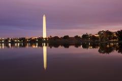 Washington Monument Twilight Night stock foto