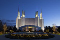 Washington Mormon Temple på natten Arkivfoto