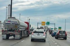WASHINGTON, U.S.A. - il 23 GIUGNO, 2016 Maryland congestionato la strada principale il giorno piovoso immagine stock