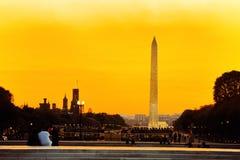 Washington USA, Washington Monument är en obelisk på nationen Arkivfoto