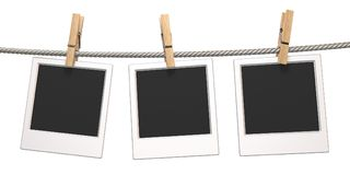 Wasknijper en drie lege fotodocumenten die op 3D kabel hangen royalty-vrije illustratie