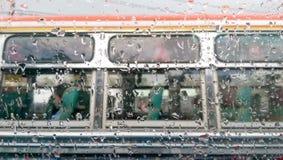 Wasser auf dem Klarglas Stockfotografie
