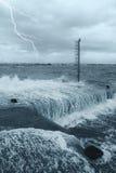 Wasser auf dem Pier Stockbild
