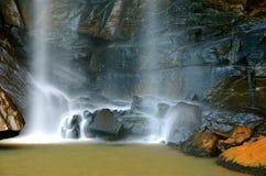 Wasser auf den Felsen Stockfotos