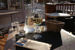 Wasser, Brot, Butter und Wein. Lizenzfreies Stockbild