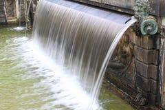 Wasser-Brunnen Lizenzfreie Stockfotos